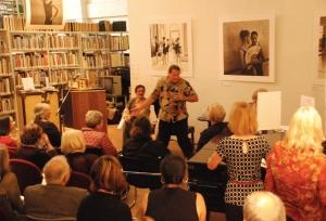 Singer_Jorge Esquivel talks with hands