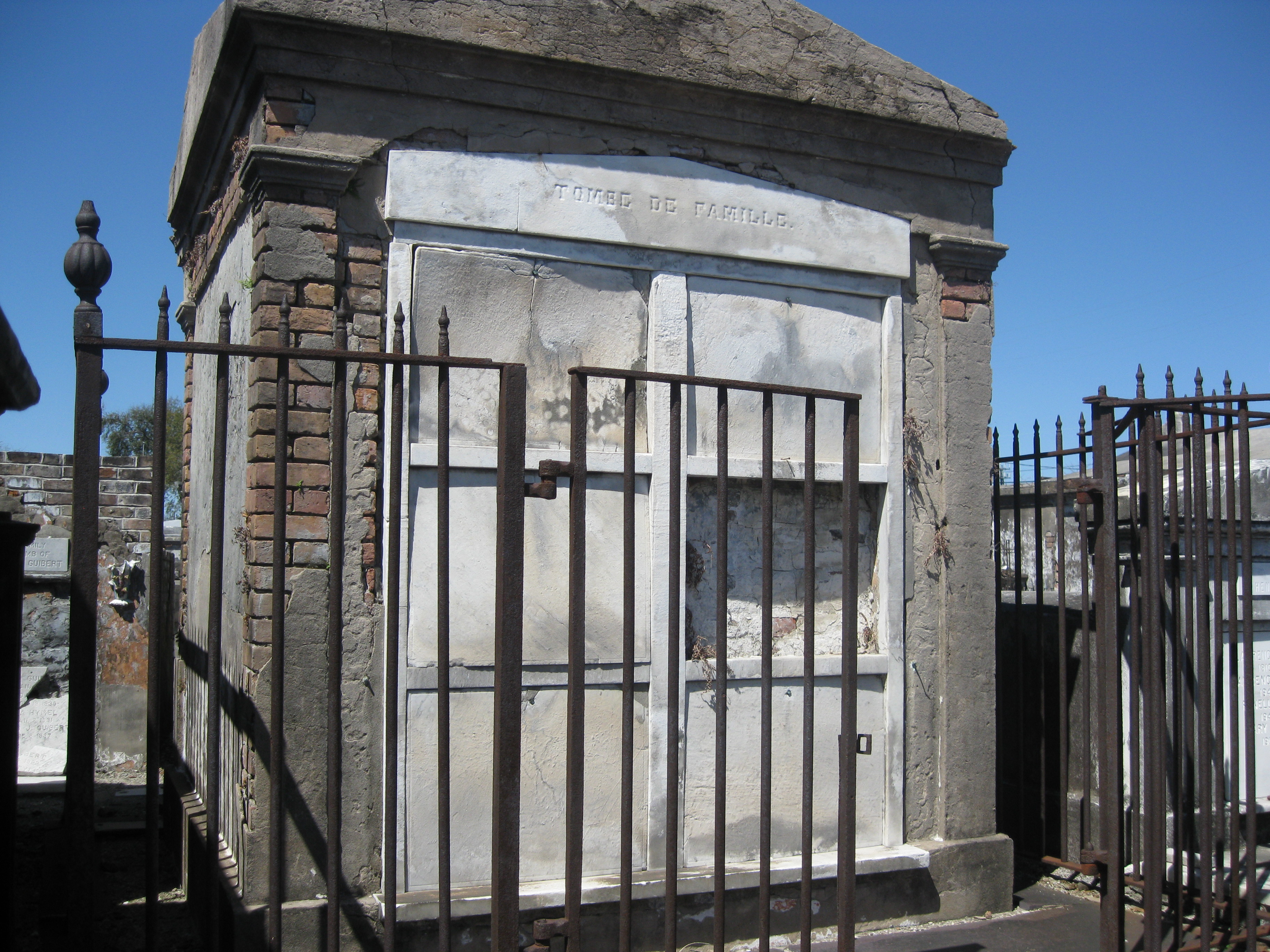Delphine Lalaurie Victims Lalaurie tomb Delphine Lalaurie Experiments