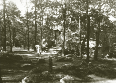 The original Tom Thumb Golf on Lookout Mountain, near Chattanooga, did not much resemble today's miniature golf courses, but took advantage of the natural terrain and abundance of boulders.
