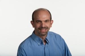 9/27/12 1:03:07 PM -- McLean, VA, U.S.A Staff writer, Cesar Brioso Photo by H. Darr Beiser, USA TODAY Staff ORG XMIT: HB 42465 9/27/2012 [Via MerlinFTP Drop]