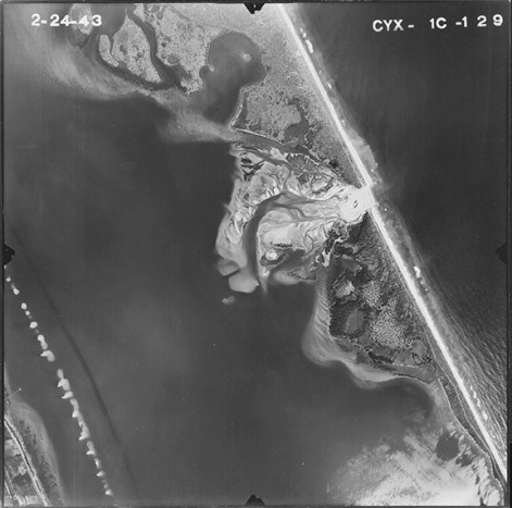 "Sebastian inlet, 1943. (University of Florida, ""Aerial Photographs of Indian River County—Flight 1C [1943],"" Map and Imagery Library, Gainesville, Florida)."