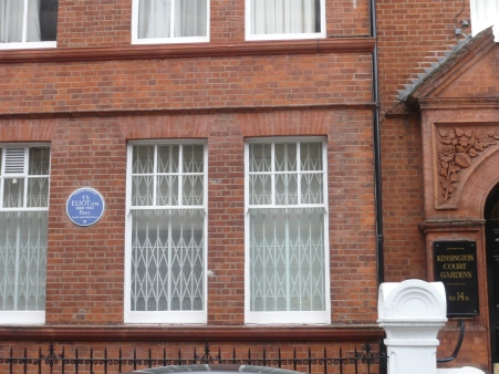 Blue plaque for T. S. Eliot, just a few streets down from Joyce's flat.